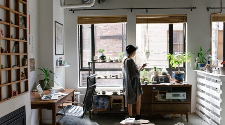 Współpraca pośrednika z home stagerem – czy to się opłaca